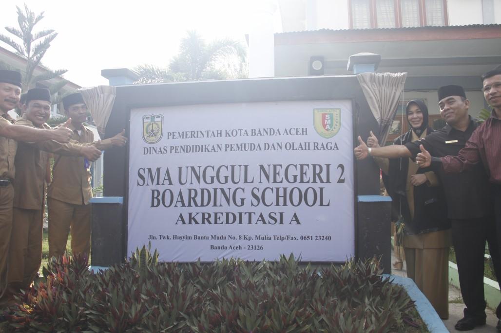Wali Kota Banda Aceh Hj Illiza Sa Aduddin Djamal Se Meresmikan Operasional Boarding School Di Sekolah Menengah Atas Negeri Sman 2 Banda Aceh Suara Pembaharuan Informasi Nasional