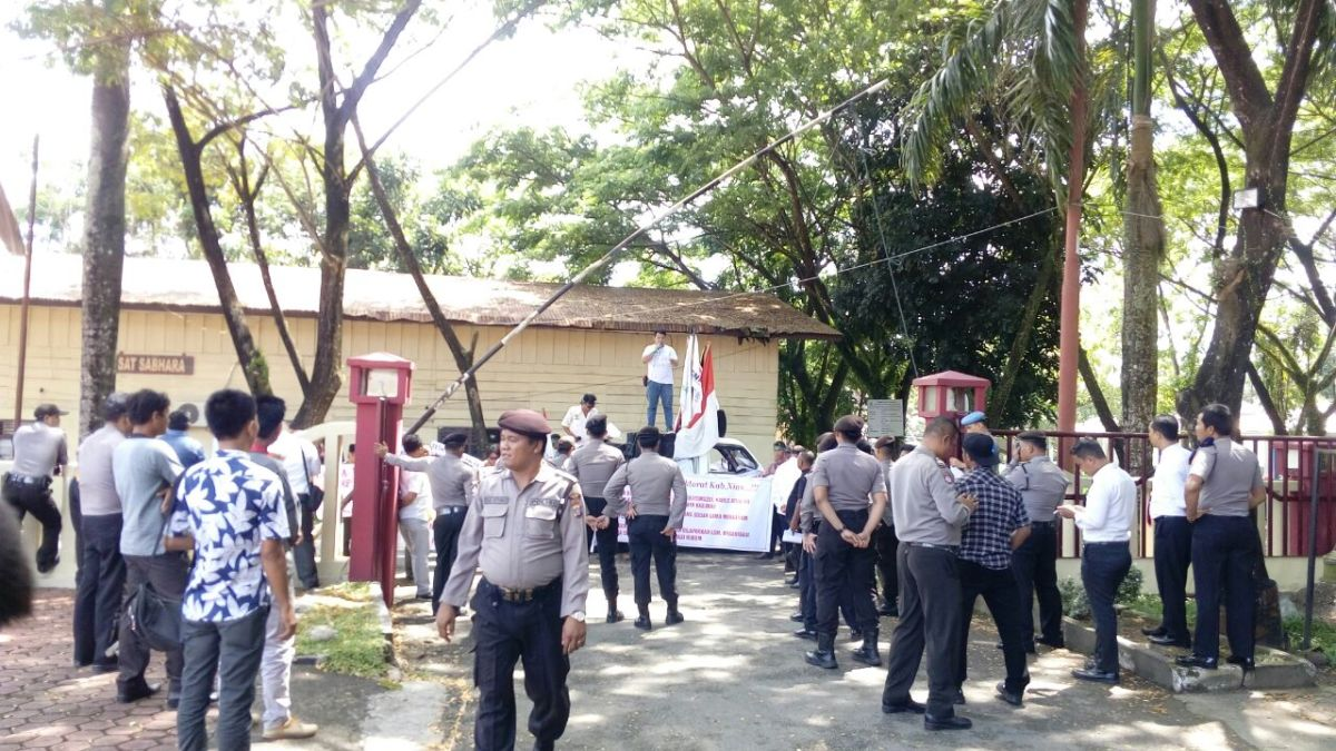 DPC LSM PERKARA WILAYAH NIAS MINTA POLRES NIAS SERIUS TANGANI LAPORAN DANA BOS TA.2015/2016.