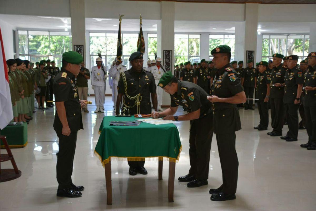 Sertijab 5 Perwira Menengah Di Lingkungan Kodam XVII/Cenderawasih